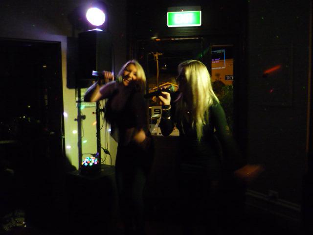 Sing Karaoke in Perth : Groove Karaoke : Perth WA